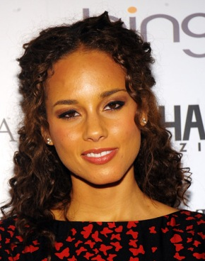 Alicia keys to Sing the National Anthem at Superbowl
