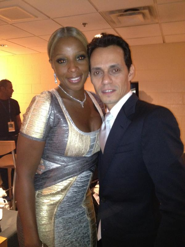[Pix] Mary J. Blige Performs at Democratic National Convention