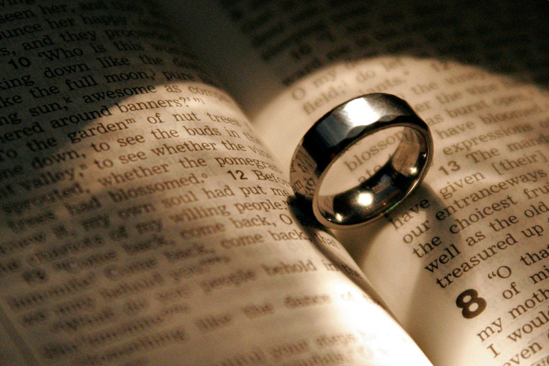 Bible-and-Wedding-Ring