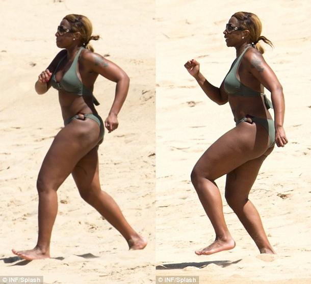 Mary-J-Blige-Bikini-4